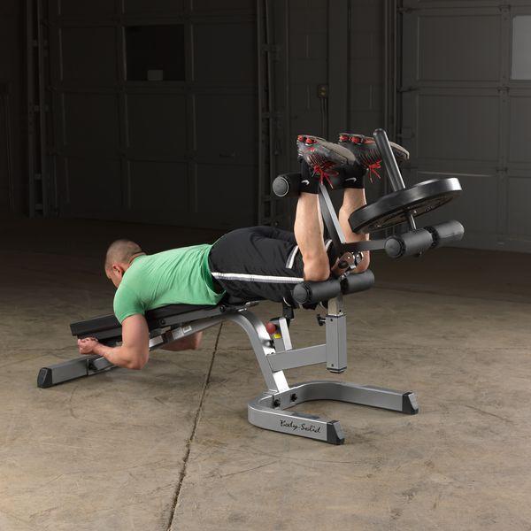 30 упражнений с гантелями для тех, кто хочет прокачать всё тело - Лайфхакер